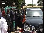 المغرب اليوم  - شاهد لحظة وصول الملك محمد السادس إلى مسجد أهل السنة