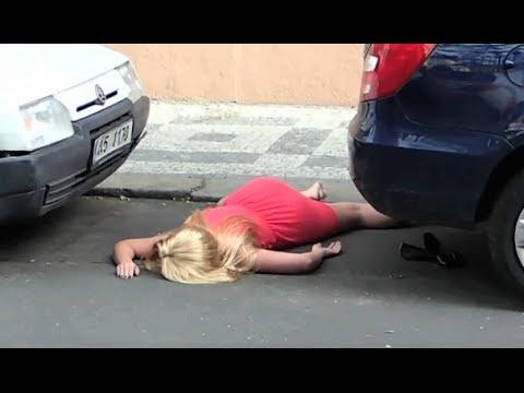 فتاة تنتحر بسبب مقلب ساخر نفذه حبيبها