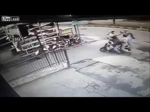 المغرب اليوم  - بالفيديو  لحظة سرقة فتاة حسناء
