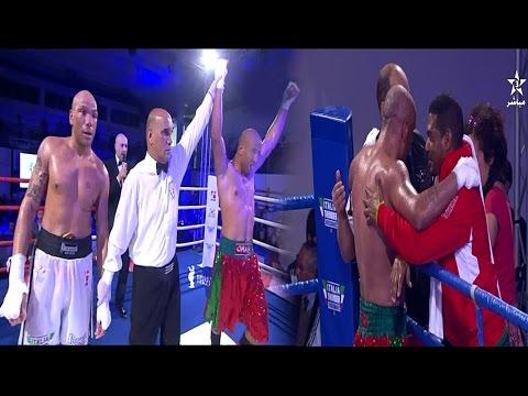 المغرب اليوم  - شاهد لحظة فوز الملاكم المصري صلاح الذي يمثل المغرب أمام خصمه الإيطالي