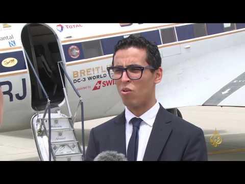 المغرب اليوم  - شاهد انطلاق الطائرة بريتلنغ دي سي 3 في رحلة حول العالم