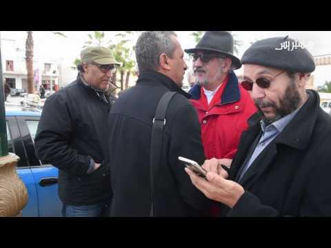 المغرب اليوم  - بالفيديو جنازة الفنان المسرحي جمال الدين الدخيسي