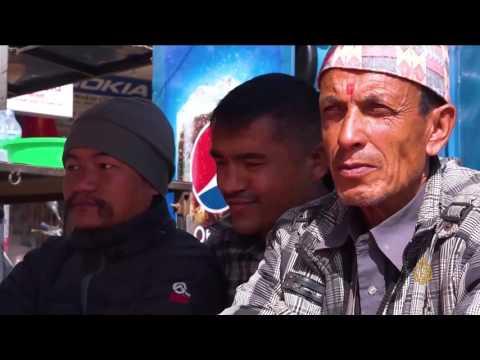 المغرب اليوم  - بالفيديو السارانجي تجوب العاصمة النيبالية