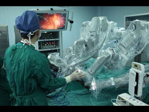 المغرب اليوم  - شاهد ابتكار روبوت جراح في الصين