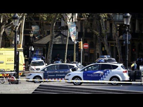 المغرب اليوم  - شاهد تفاصيل حادثة دهس عشرات الأشخاص وسط برشلونة