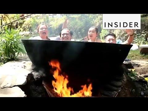 المغرب اليوم  - شاهد تجربة طبخ البشر إلى الصائمين تنتهي في الفلبين