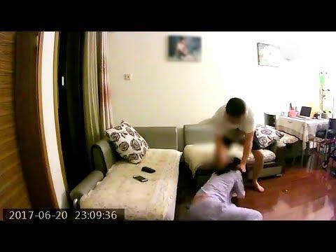 المغرب اليوم  - شاهد رجل يعتدي بالضرب على زوجته لأكثر من عامين