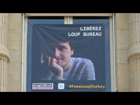 المغرب اليوم  - شاهد تركيا تطلق سراح الصحافي الفرنسي