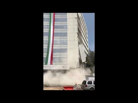 المغرب اليوم  - شاهد لحظة سقوط بناية في زلزال مكسيكو