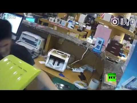 المغرب اليوم - شاهد لحظة انفجار هاتف آيفون جديد