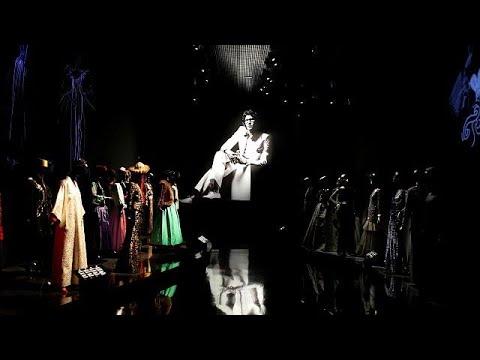المغرب اليوم - شاهد متحف يحتفي بمصمم الأزياء إيف سان لوران
