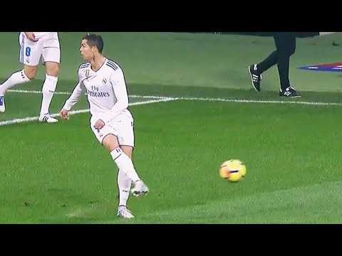 أغرب التمريرات غير المتوقعة في مباريات كرة القدم