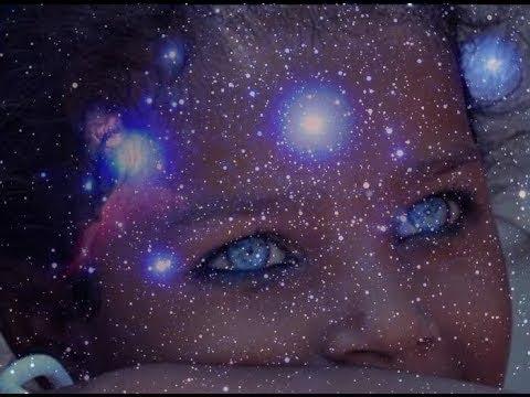 شاهد فتاة صغيرة تُحذر العالم وتدعو إلى أن تستيقظ البشرية من غفوتها