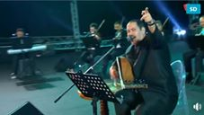 شاهد الفنان التونسي لطفي بوشناق يغنّي ضد صفقة القرن في لبنان