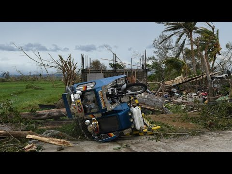 عشرات القتلى بسبب الإعصار المدمر مانكوت في الفلبين