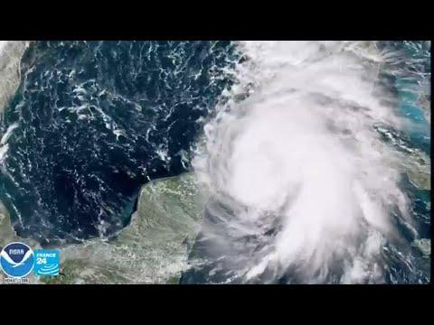 شاهدالإعصار مايكل يشتد ويُهدد جنوب الولايات المتحدة