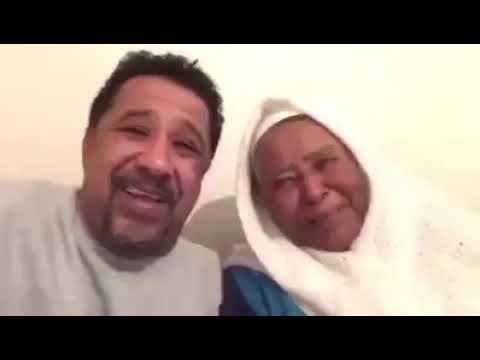 شاهد كيف هنأ الشاب خالد ووالدته جمهوره بمناسبة رأس السنة