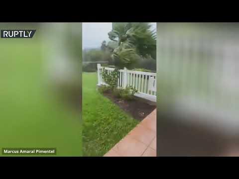 شاهد إعصار بوليت يضرب برمودا ويجلب معه أمطار غزيرة ورياح قوية