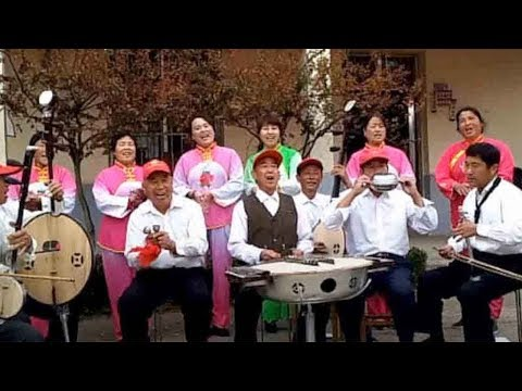 farmers play tunes with household items