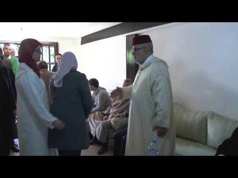 المغرب اليوم  - شاهد أجواء مؤثرة من داخل منزل بنكيران