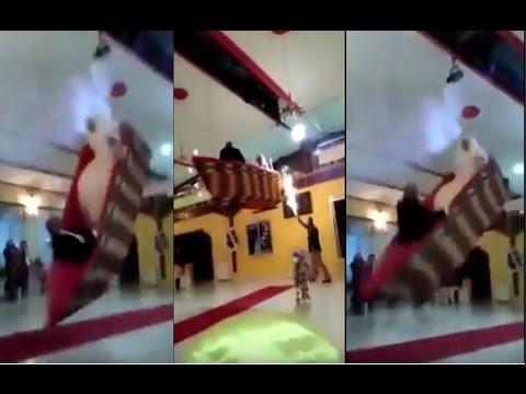 المغرب اليوم  - بالفيديو  دخول غير اعتيادي إلى قاعة الفرح في مصر