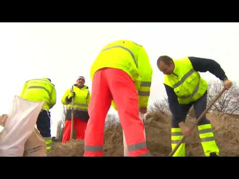 المغرب اليوم  - بالفيديو تأهّب في بريطانيا استعدادًا لوصول عاصفة ثلجية عنيفة