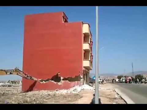 المغرب اليوم  - شاهد أغرب عملية هدم منزل في المملكة المغربية