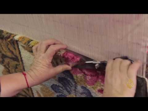 المغرب اليوم  - بالفيديو  معمل بلغاري يحيي حرفة حياكة السجاد