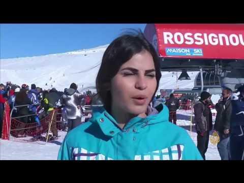 المغرب اليوم  - شاهد  التزلج على جبال كفرذبيان في لبنان