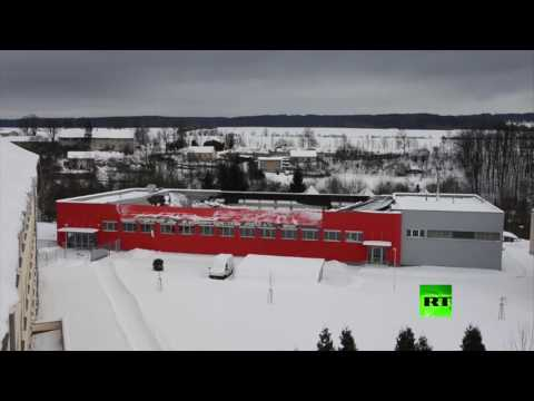 المغرب اليوم  - بالفيديو لحظة انهيار سقف قاعة رياضية في التشيك