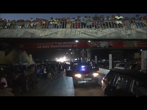 المغرب اليوم  - شاهد استقبال شعبي كبير للملك محمد السادس