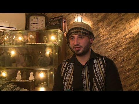 المغرب اليوم  - شاهد لاجئون سوريون يحاولون إعادة بناء حياتهم بصعوبة في غزة