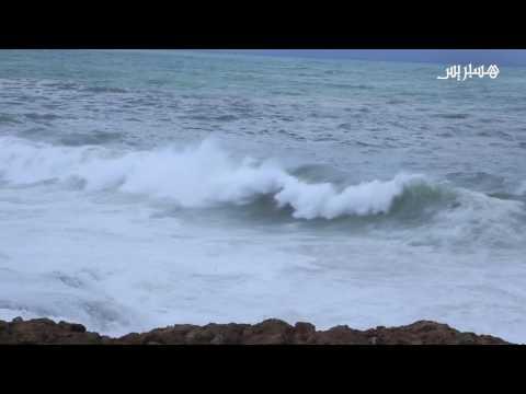 المغرب اليوم  - شاهد ارتفاع أمواج البحر في السواحل الأطلسية