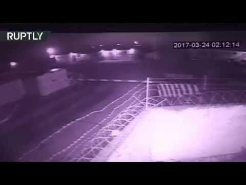 المغرب اليوم  - بالفيديو لحظة الهجوم المسلحين على مركز الحرس الوطني الروسي