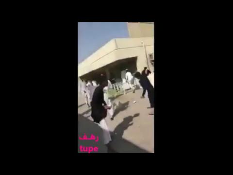 المغرب اليوم  - شاهد لحظة اقتحام طلاب مطعم المدرسة