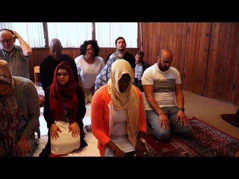المغرب اليوم  - شاهد تدشين أول مسجد أميركي مختلّط قرب ولاية سان فرنسيسكو