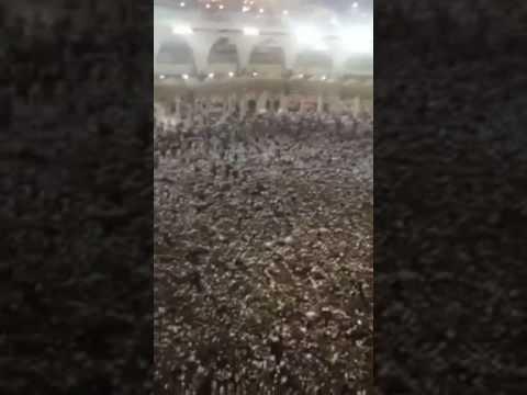 المغرب اليوم  - بالفيديو الزحام يتسبب في توقف طواف المعتمرين