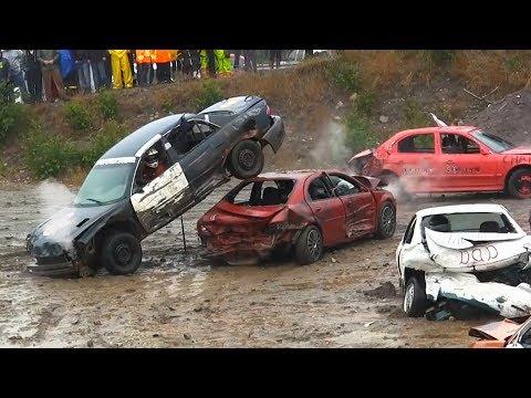 المغرب اليوم  - شاهد سباق حرب السيارات