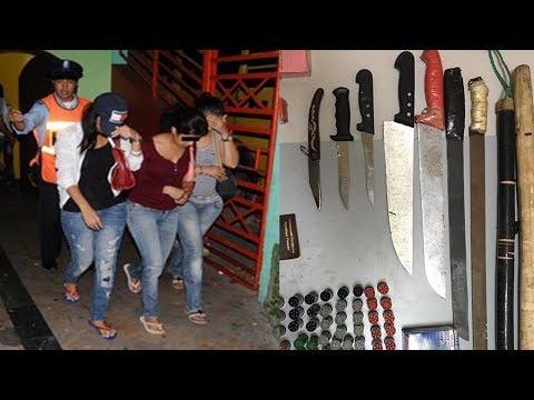 المغرب اليوم  - شاهد إلقاء القبض على 70 فتاة في مقهى للشيشة