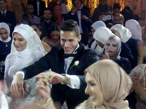 المغرب اليوم  - شاهد رمضان صبحي يرقص مع لاعبي الأهلي