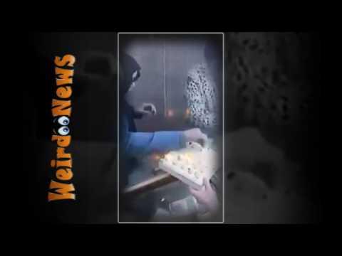 المغرب اليوم  - شاهد فتاة تخدع صائغًا وتخبئ خاتم في مكان عجيب