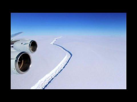 المغرب اليوم  - شاهد تريليون طن من الجليد تنفصل للسباحة الحرة