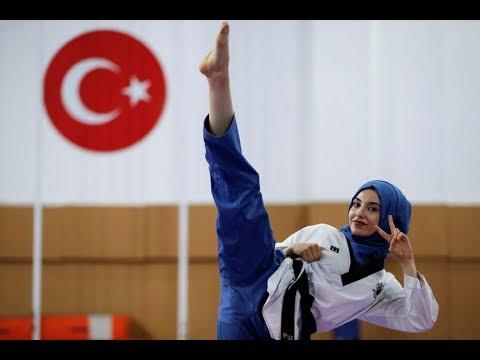 المغرب اليوم  - شاهد فتاة تركية لم يمنعها الحجاب أن تصبح بطلة العالم في التايكوندو