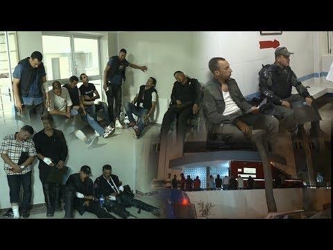 المغرب اليوم  - شاهد لحظة نقل المصابين في المظاهرة الممنوعة في الحسيمة