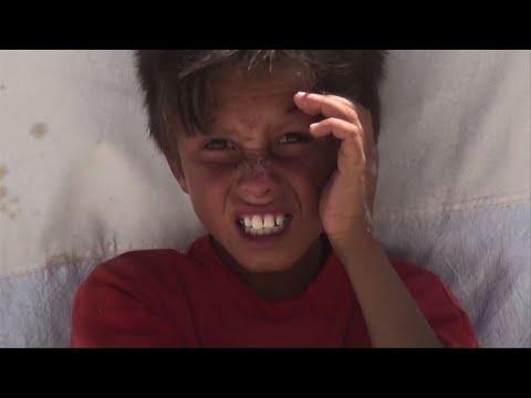 المغرب اليوم  - شاهد سكان الرقة من مشقة النزوح إلى لهيب المخيمات في الصيف