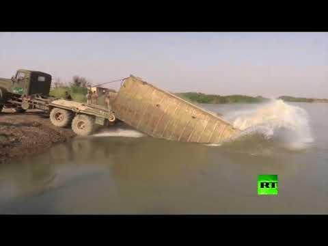 المغرب اليوم  - شاهد القوات السورية تعبر إلى الضفة الشرقية للفرات
