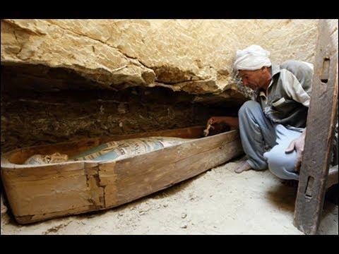المغرب اليوم  - بالفيديو  شيخ مصري يكلّم الجن داخل مقبرة فرعونية
