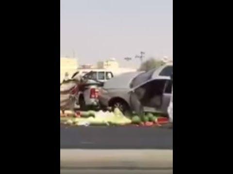 المغرب اليوم  - شاهد سعودي يتسبّب في حادث تصادم لانشغاله بهاتفه