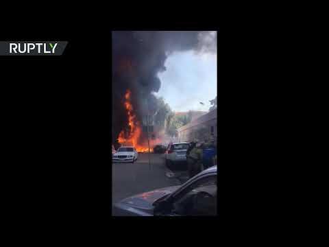 المغرب اليوم  - شاهد اندلاع حريق هائل في فندق في روستوف على نهر الدون
