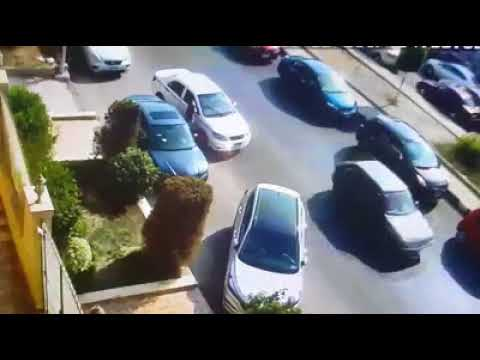 المغرب اليوم  - شاهد لحظة سرقة سيارة في وضح النهار داخل التجمع الخامس